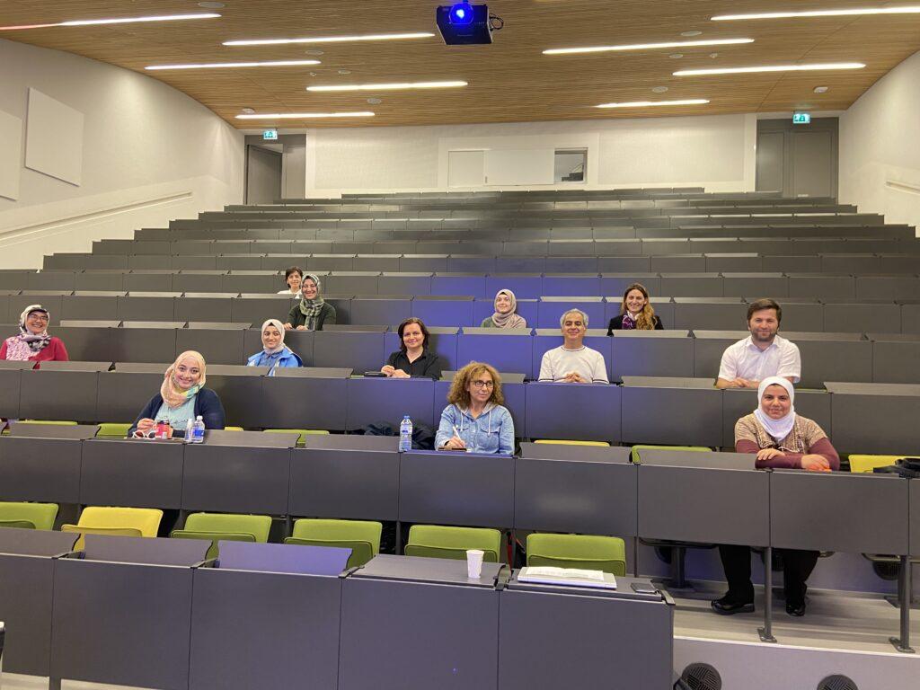 Derde lichting statushouders voor de klas gaat van start in Amsterdam